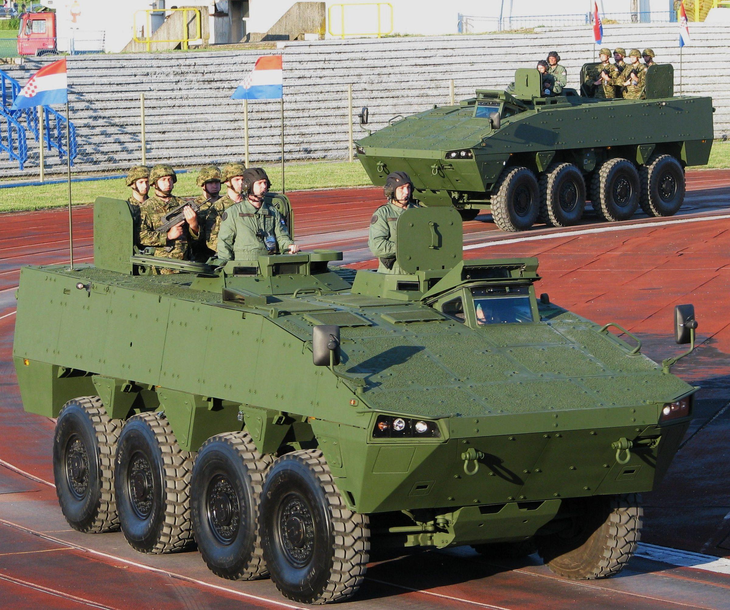 SNAFU!: 6x6 Patria AMV.plus bonus pics of the Guarani